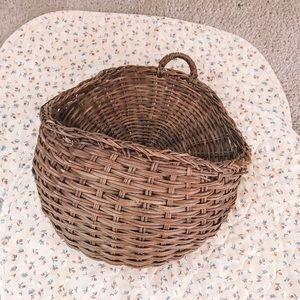 vintage   wicker wall basket plant holder
